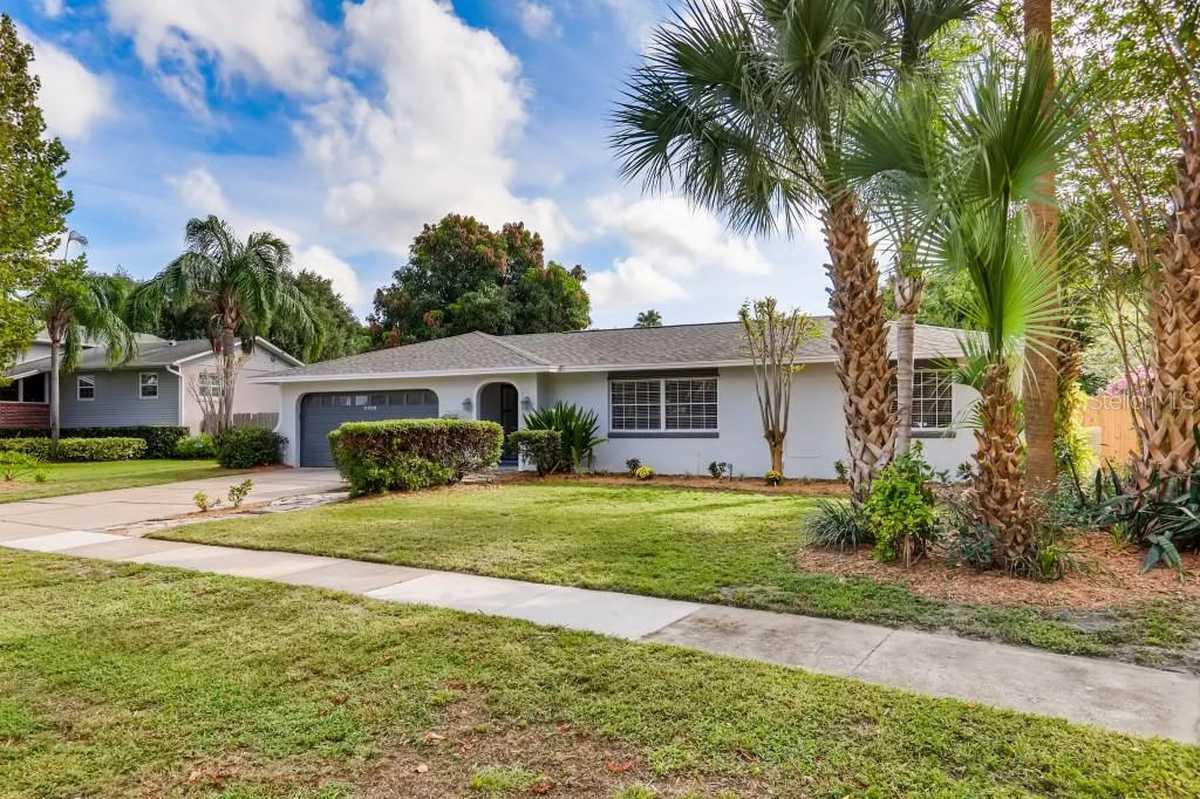 $410,000 - 3Br/2Ba -  for Sale in Sand Lake Hills Sec 09, Orlando