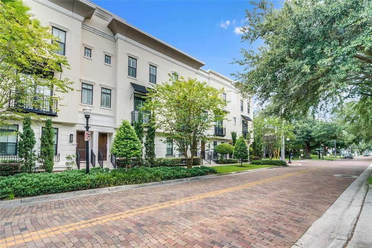 $858,000 - 3Br/4Ba -  for Sale in Brownstones/thornton Park, Orlando