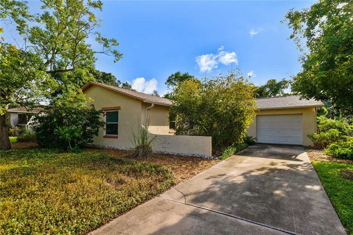 $295,000 - 4Br/3Ba -  for Sale in Summerset North, Casselberry