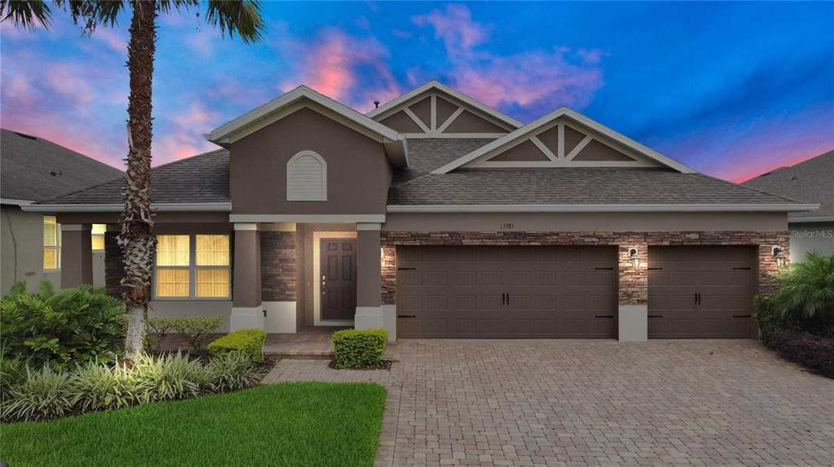 $584,900 - 4Br/3Ba -  for Sale in Reserve/carriage Pointe Ph 2, Winter Garden
