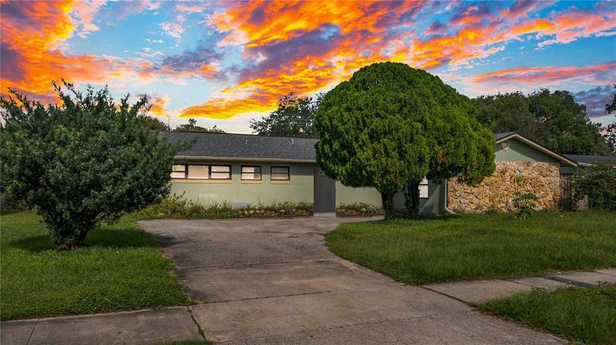 $280,000 - 5Br/3Ba -  for Sale in Sky Lake Rep, Orlando