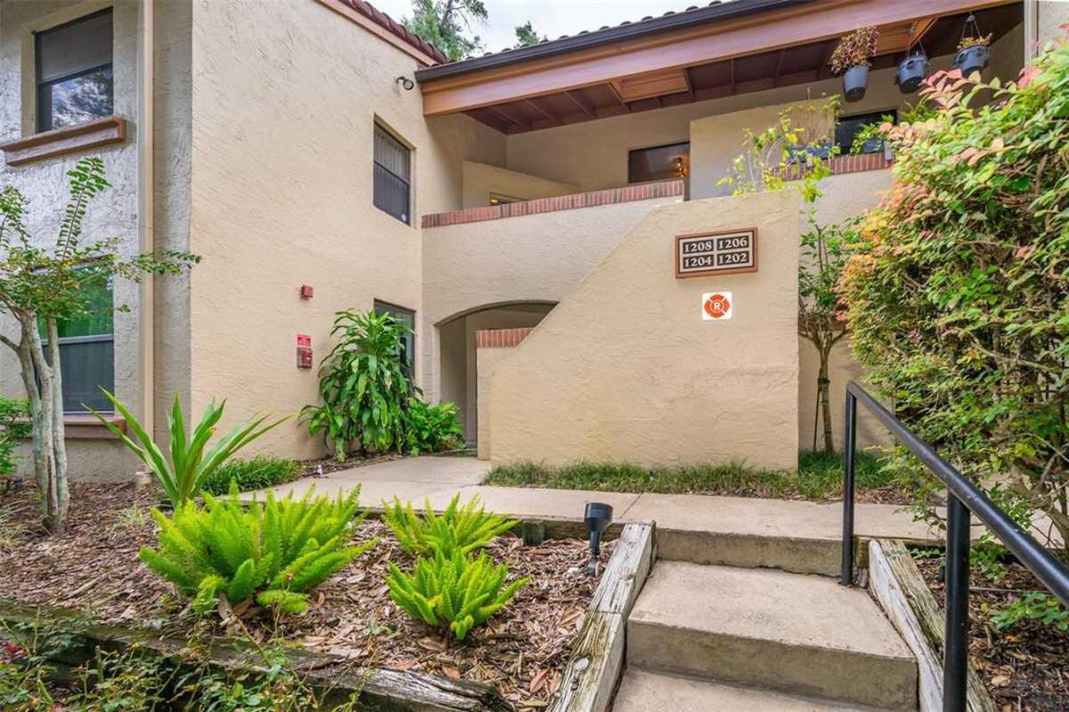 $300,000 - 2Br/2Ba -  for Sale in Lake Pineloch Village Condo 01, Orlando