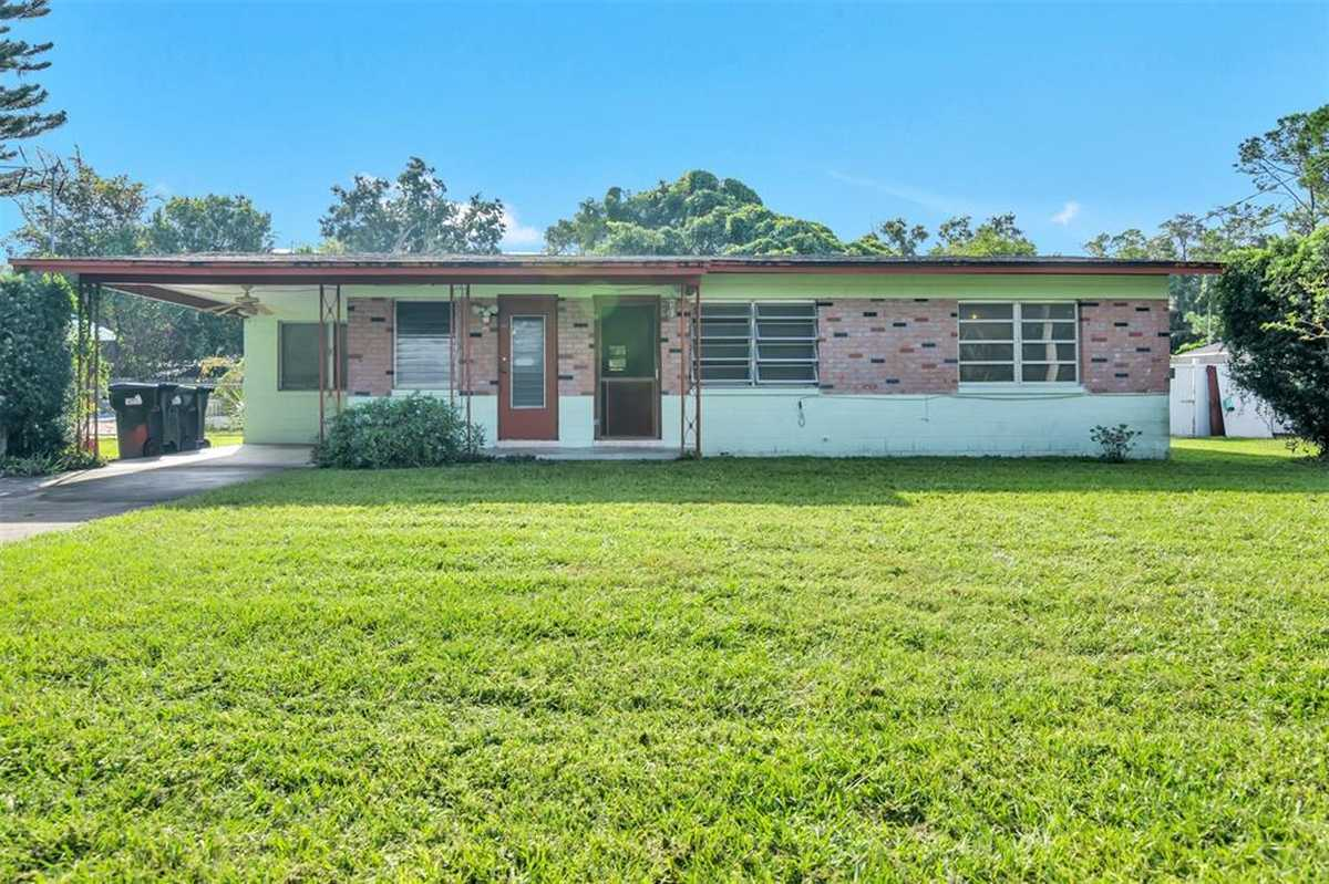 $235,000 - 3Br/2Ba -  for Sale in Lake Mary Manor, Orlando