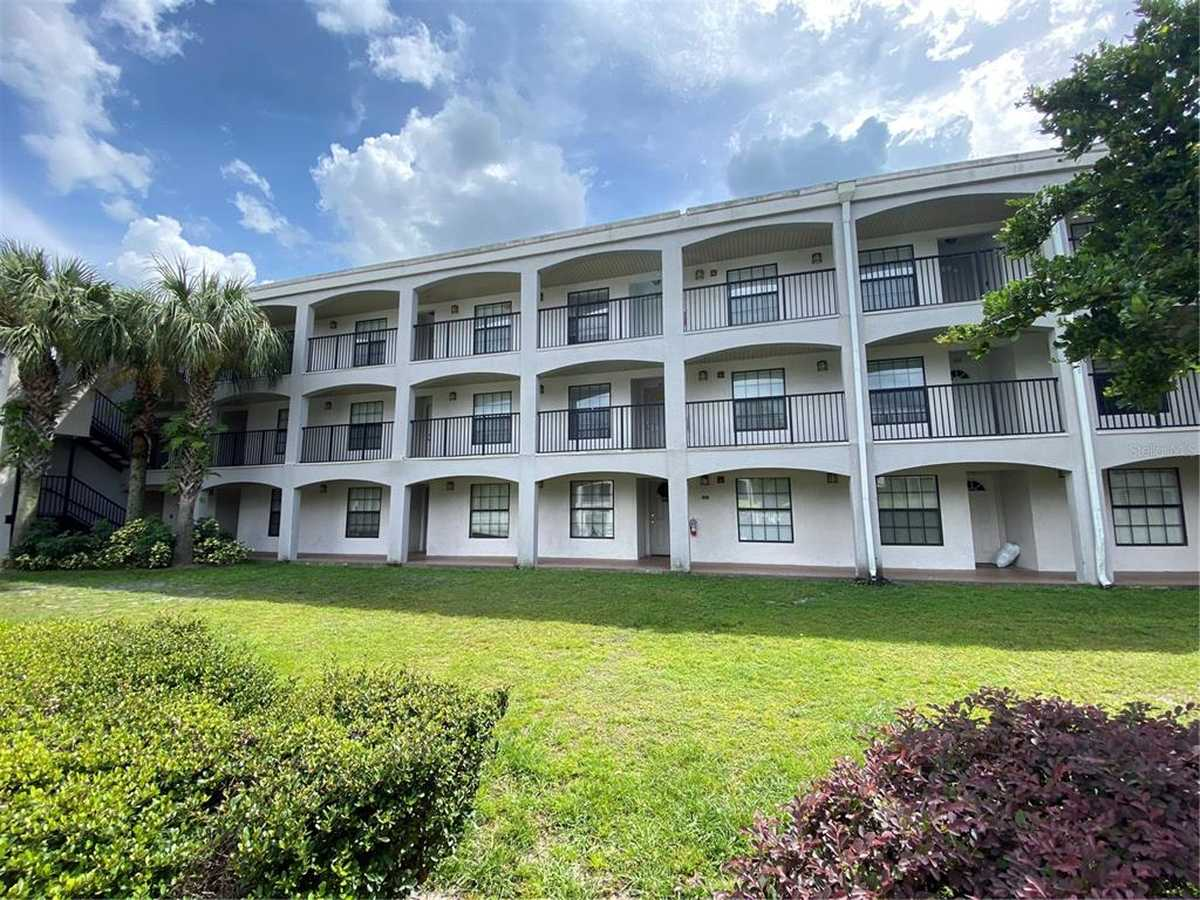 $135,900 - 2Br/2Ba -  for Sale in Palm Square/belle Isles, Belle Isle
