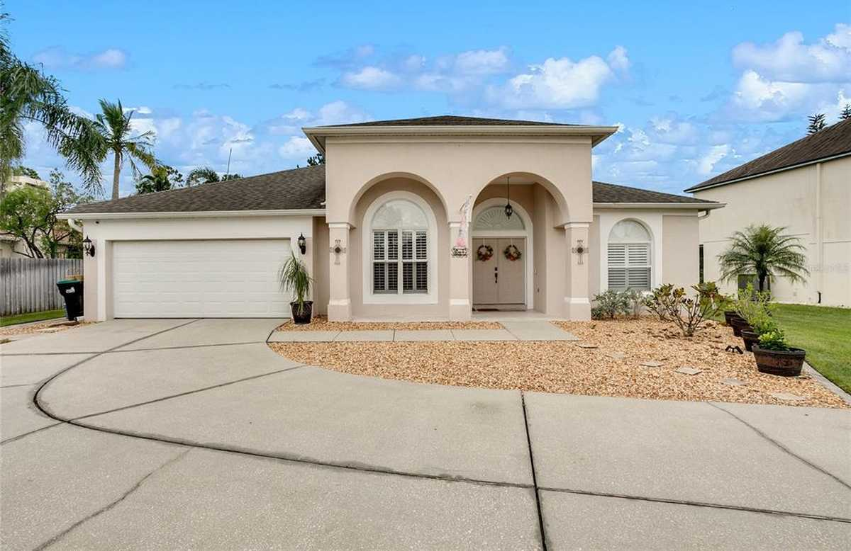 $555,000 - 4Br/3Ba -  for Sale in Waterford Lakes Tr N30, Orlando