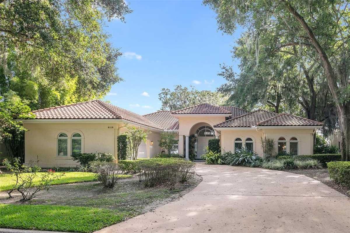 $2,500,000 - 3Br/4Ba -  for Sale in Isleworth, Windermere