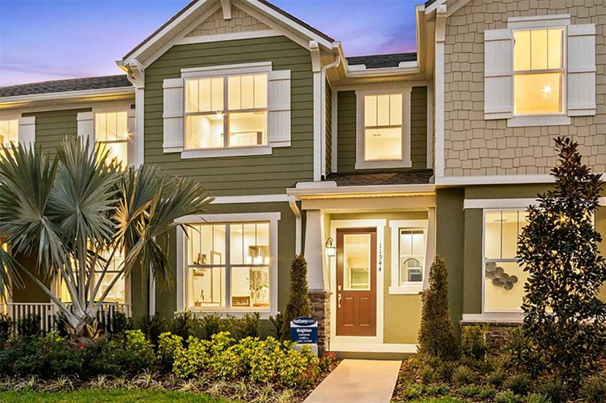 $425,990 - 3Br/3Ba -  for Sale in Meridian Parks, Orlando