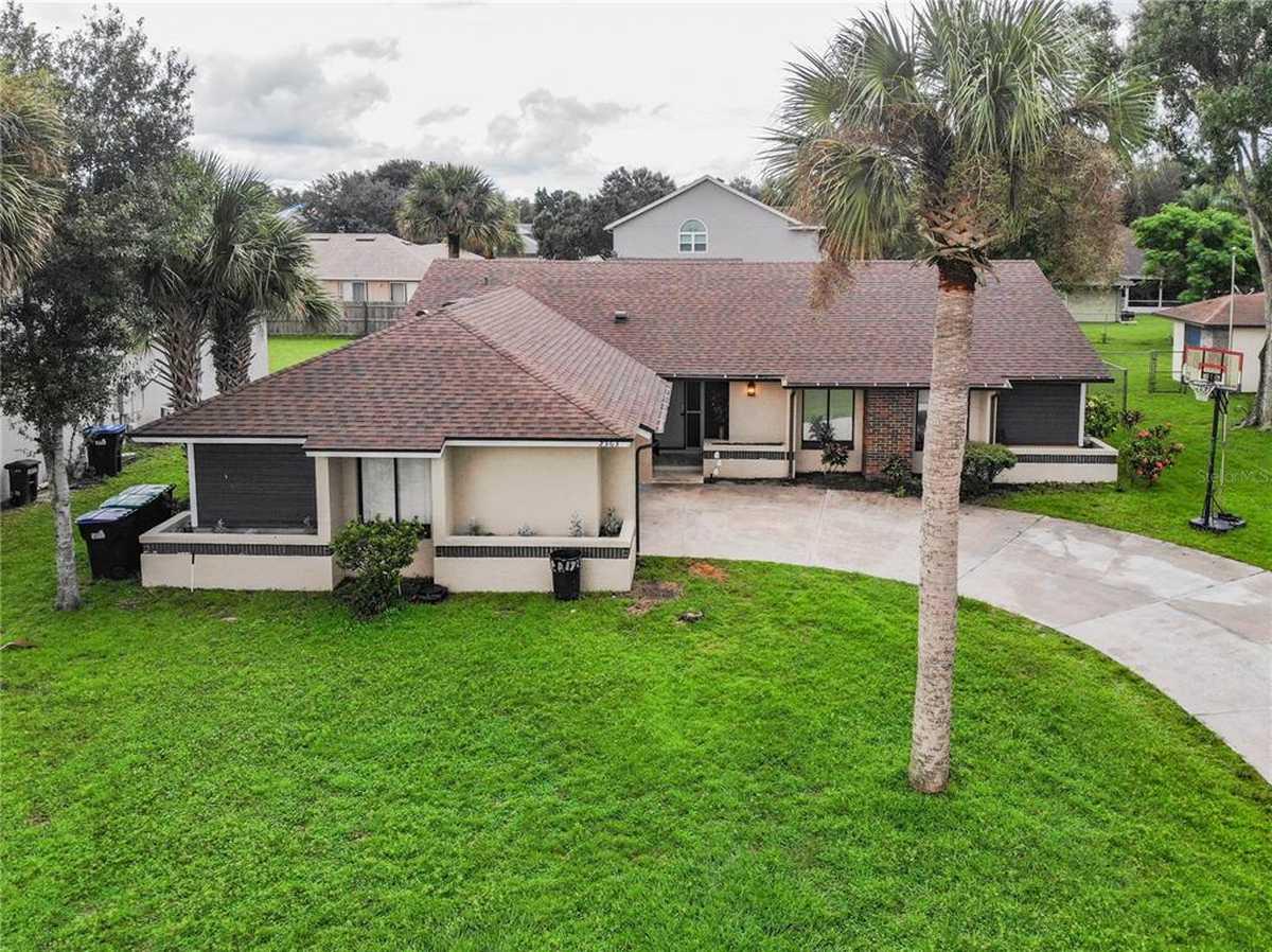 $425,000 - 3Br/2Ba -  for Sale in Rocket City, Orlando