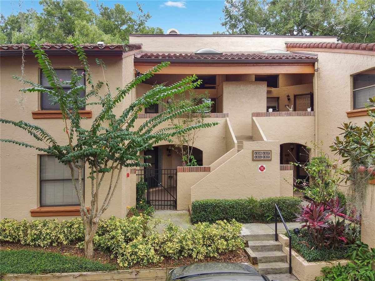 $269,000 - 2Br/2Ba -  for Sale in Lake Pineloch Village Condo 03, Orlando