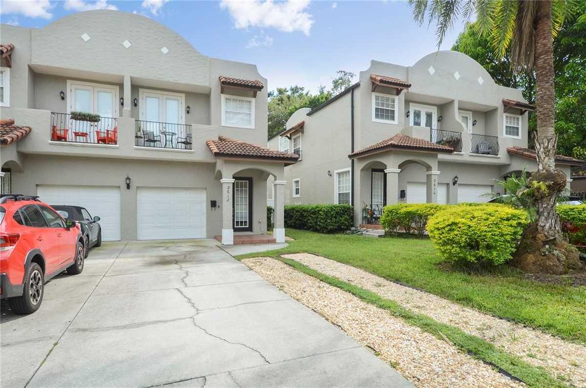 $385,000 - 3Br/3Ba -  for Sale in Golden Heights Villas Condo, Orlando
