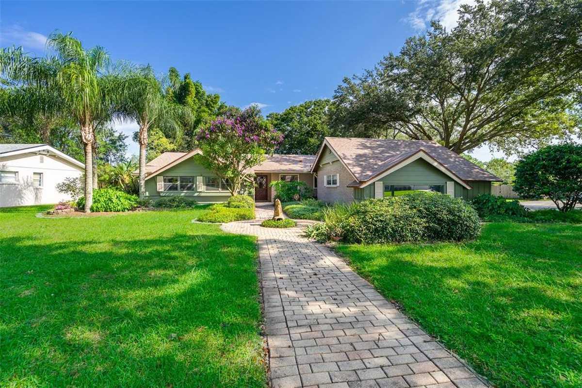 $379,900 - 3Br/3Ba -  for Sale in Dover Manor, Orlando