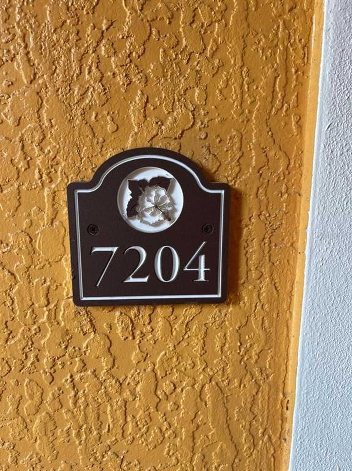 $194,900 - 2Br/2Ba -  for Sale in Cypress Fairway, Orlando