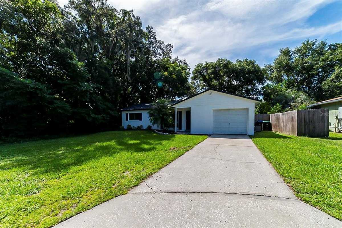 $255,000 - 3Br/2Ba -  for Sale in Windridge, Orlando