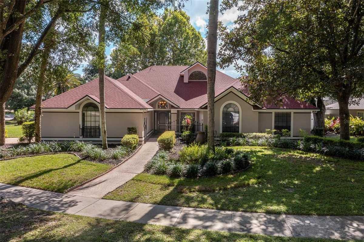 $610,000 - 5Br/3Ba -  for Sale in Fairway Cove, Orlando