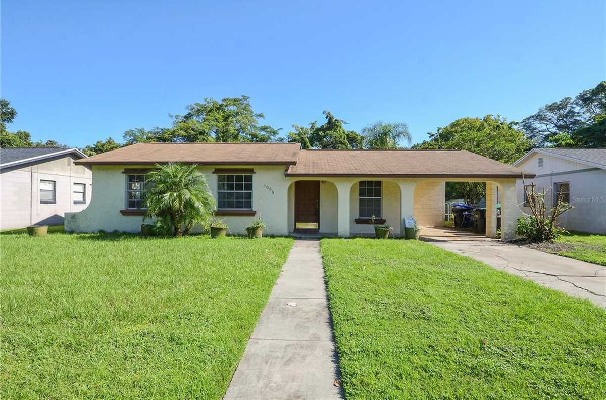 $217,000 - 3Br/2Ba -  for Sale in Kingswood Manor 7th Add, Orlando