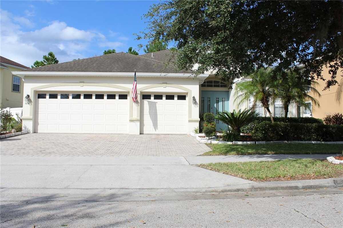 $475,000 - 4Br/3Ba -  for Sale in Vista Lakes N-11 Avon, Orlando