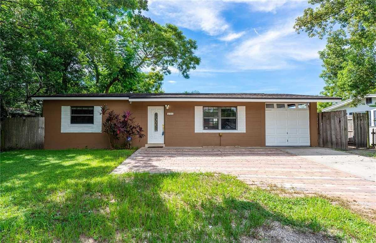 $225,000 - 3Br/2Ba -  for Sale in Crescent Hills, Orlando
