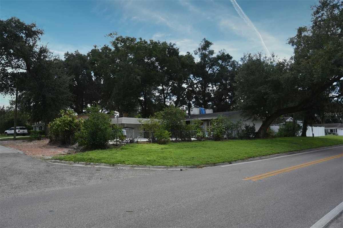 $300,000 - 3Br/2Ba -  for Sale in Pember Terrace, Orlando