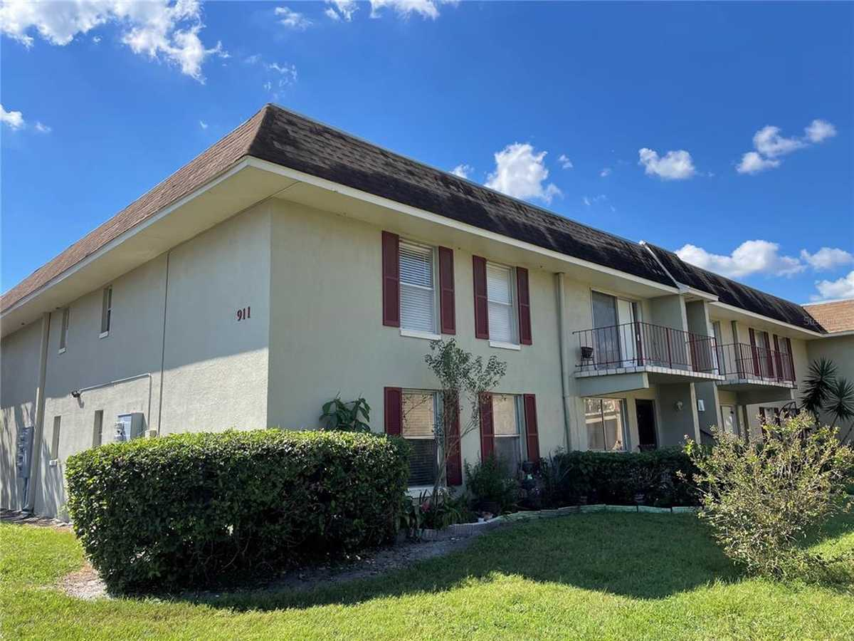 $115,000 - 2Br/2Ba -  for Sale in Weatherly Yacht Club Condo At Lake, Orlando