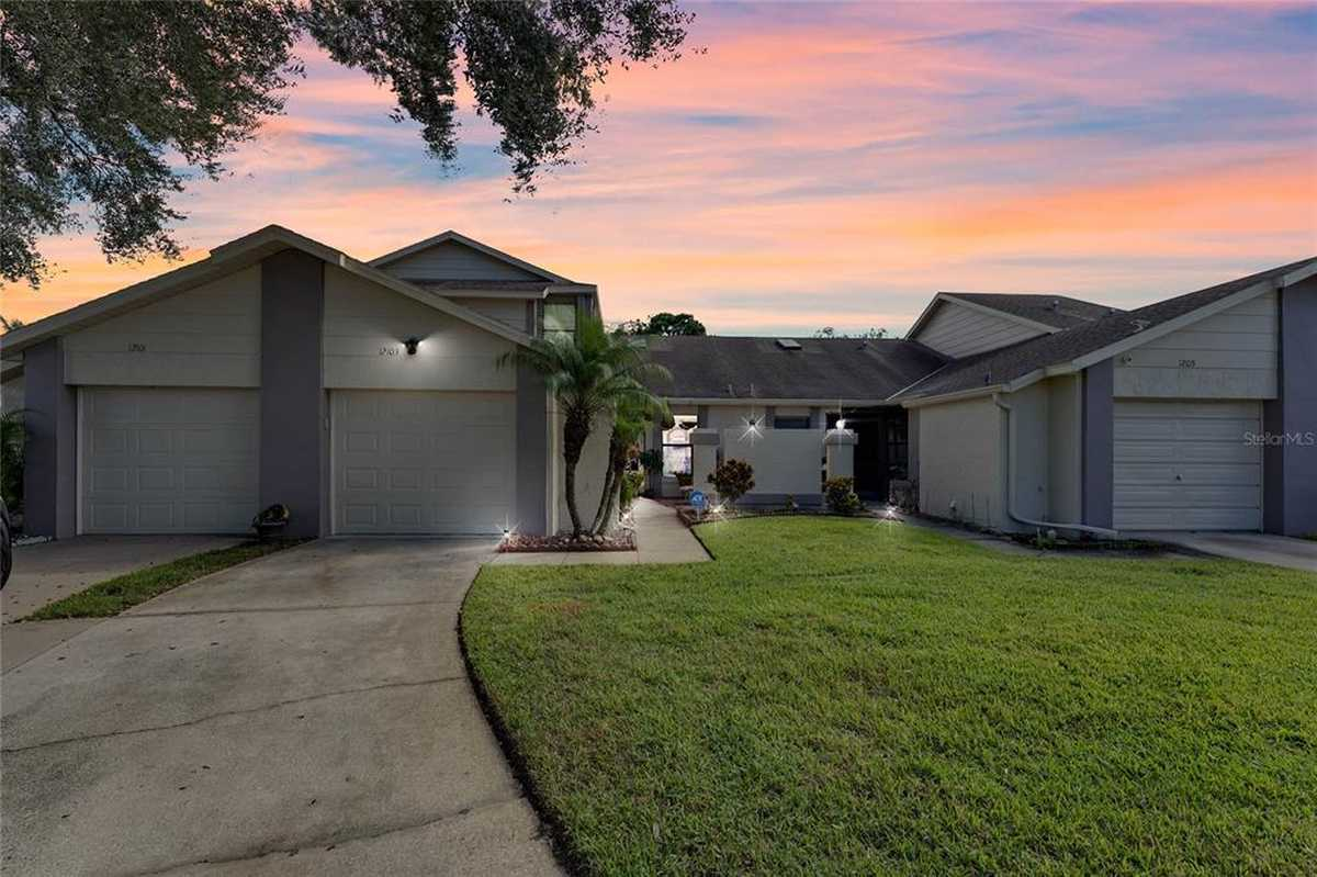 $244,900 - 3Br/3Ba -  for Sale in Fairway Townhomes At Meadow Woods, Replat, Orlando