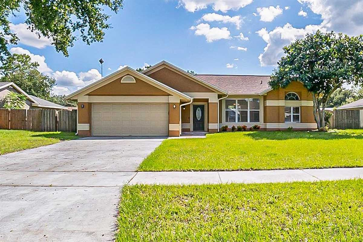 $342,000 - 3Br/2Ba -  for Sale in Country Run, Orlando