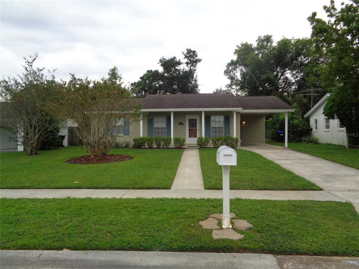 $250,000 - 3Br/2Ba -  for Sale in Kingswood Manor 7th Add, Orlando