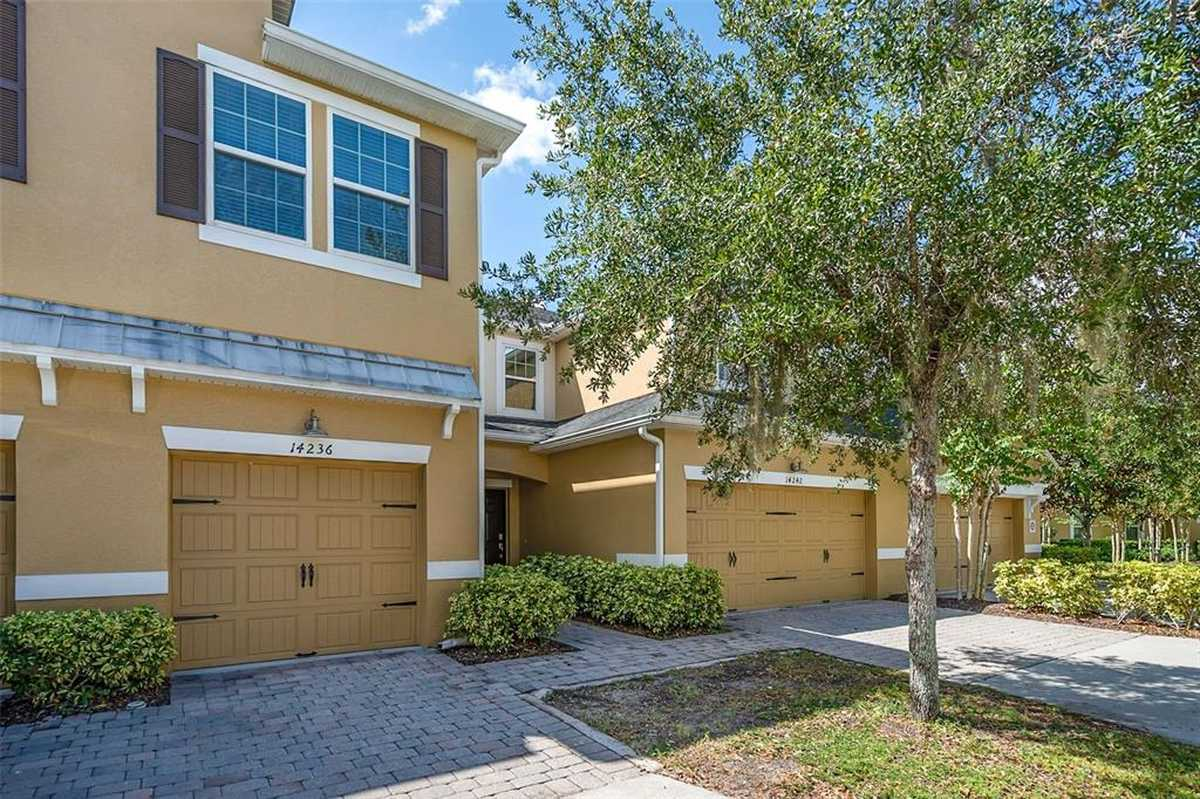 $308,000 - 3Br/3Ba -  for Sale in Oasis Cove, Windermere