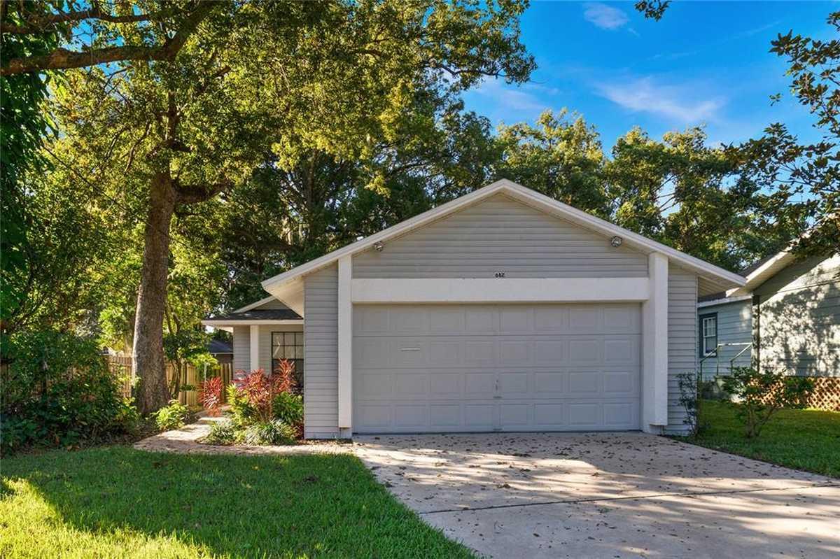 $400,000 - 3Br/2Ba -  for Sale in Land Whispering Oaks, Orlando