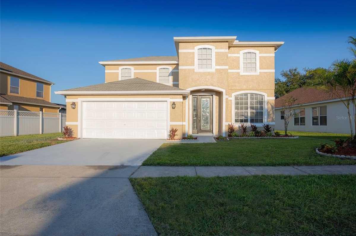 $449,900 - 4Br/3Ba -  for Sale in Lake Gloria Preserve Ph 02a, Orlando
