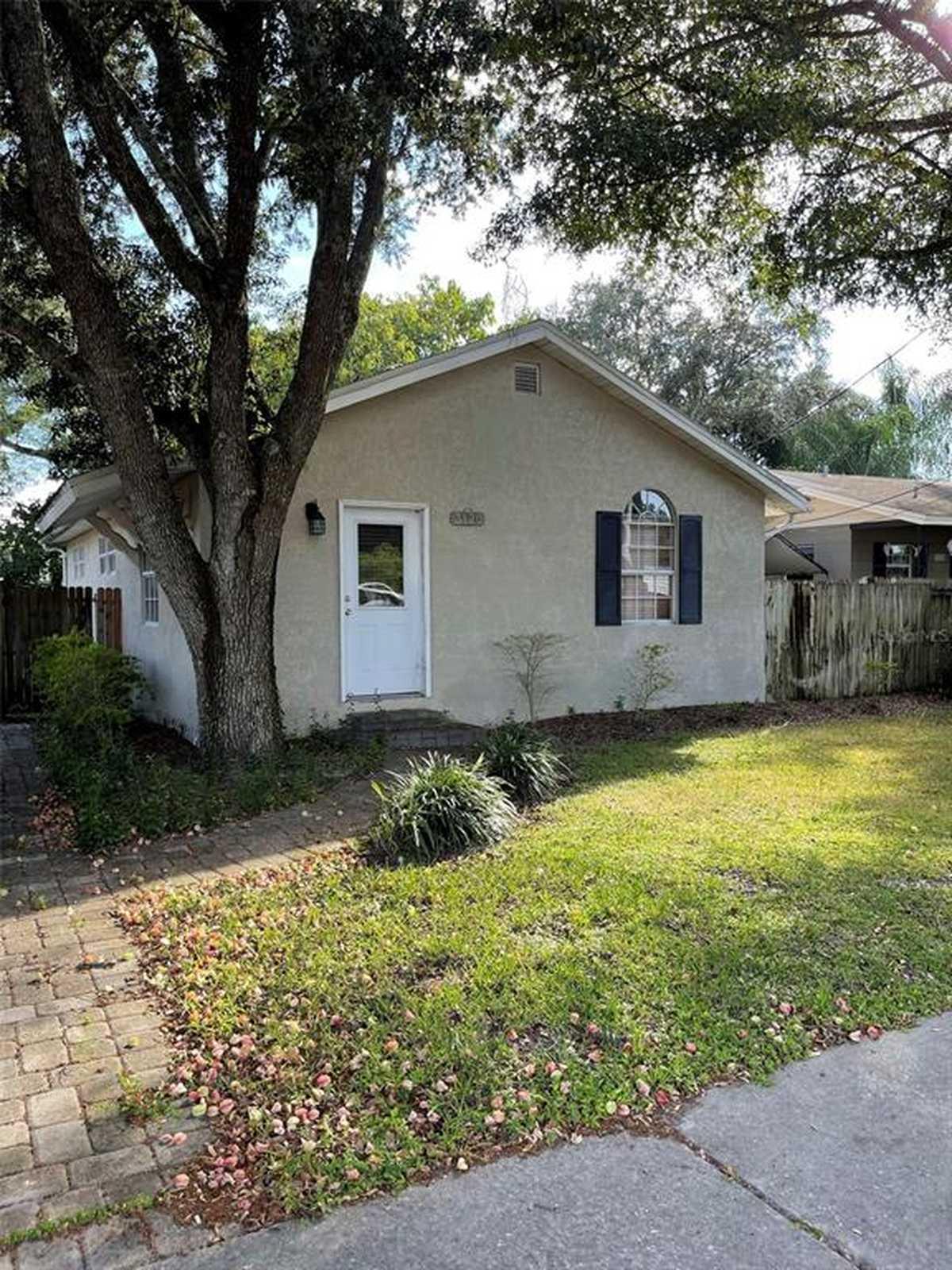 $325,000 - 3Br/2Ba -  for Sale in Paulana Park, Orlando