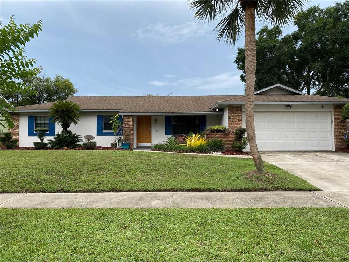 $460,000 - 3Br/2Ba -  for Sale in Dover Manor, Orlando