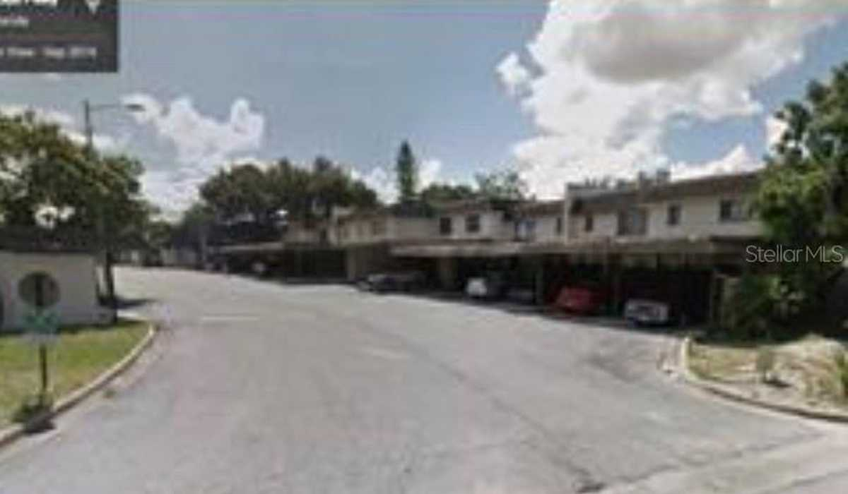 $100,000 - 4Br/3Ba -  for Sale in Silver Pines Ph 01, Orlando