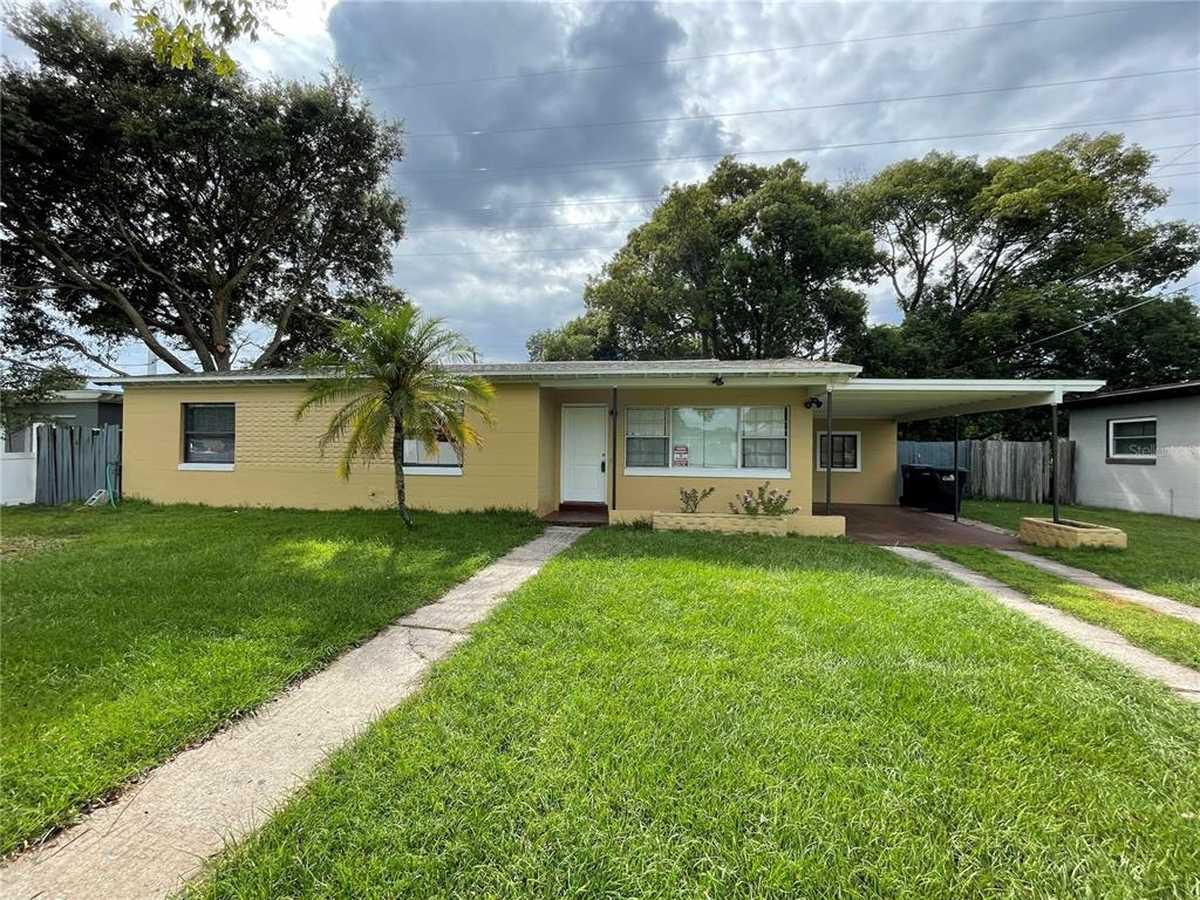 $269,900 - 3Br/2Ba -  for Sale in Azalea Park Sec 28, Orlando