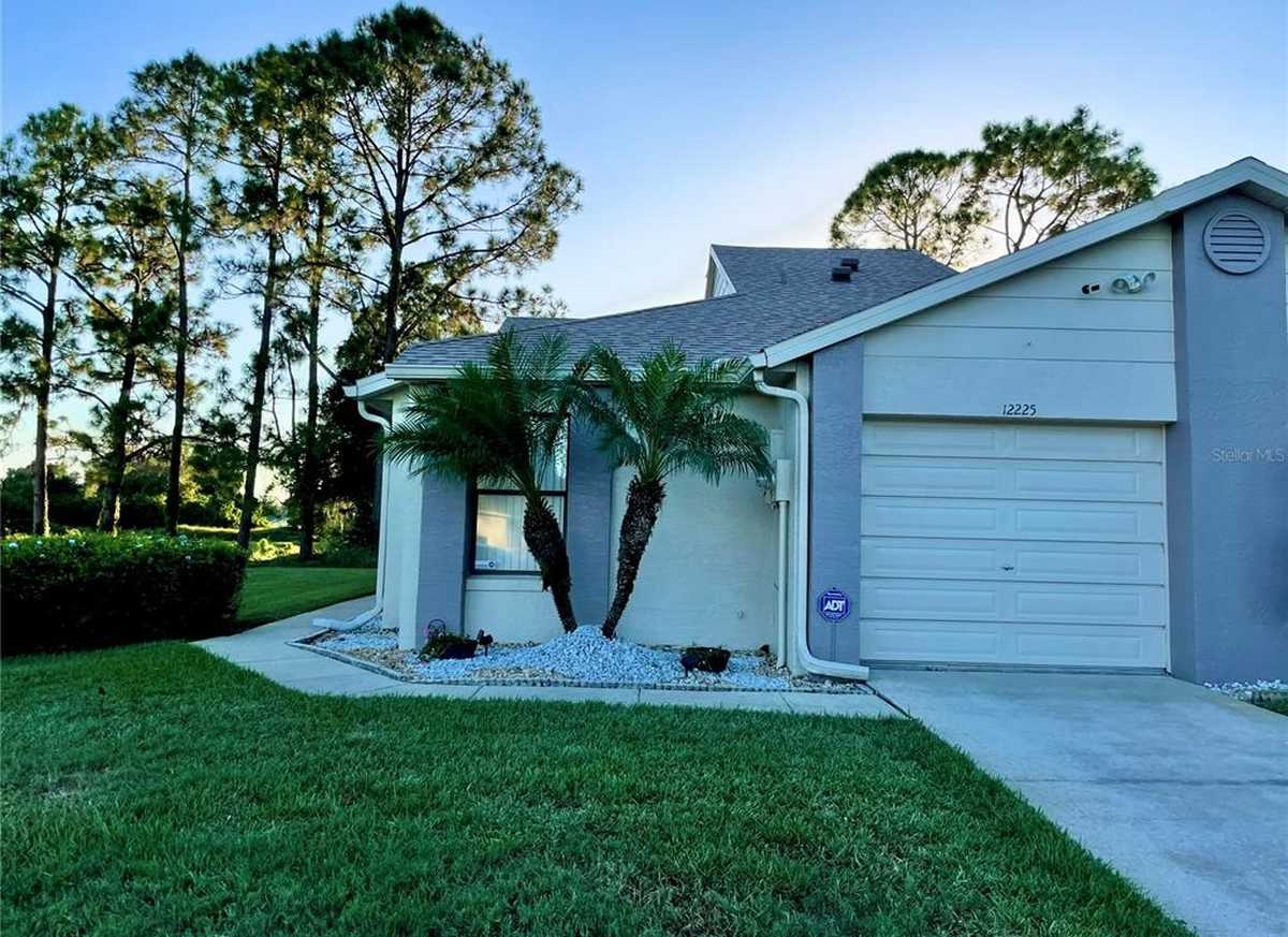 $285,000 - 3Br/2Ba -  for Sale in Fairway Twnhms At Meadow Woods Rep, Orlando