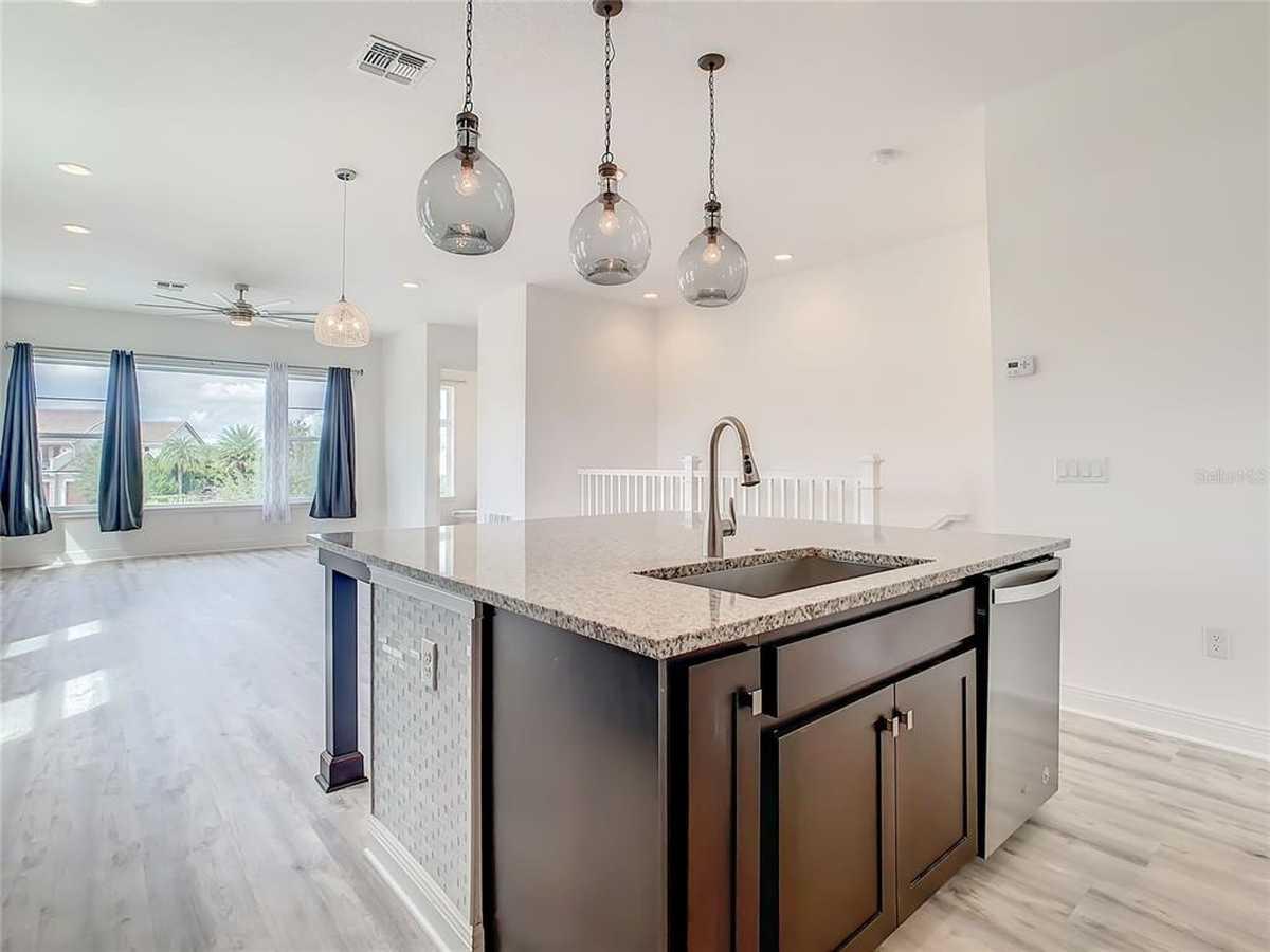 $399,999 - 3Br/3Ba -  for Sale in Eagle Crk Village L Ph 3b, Orlando
