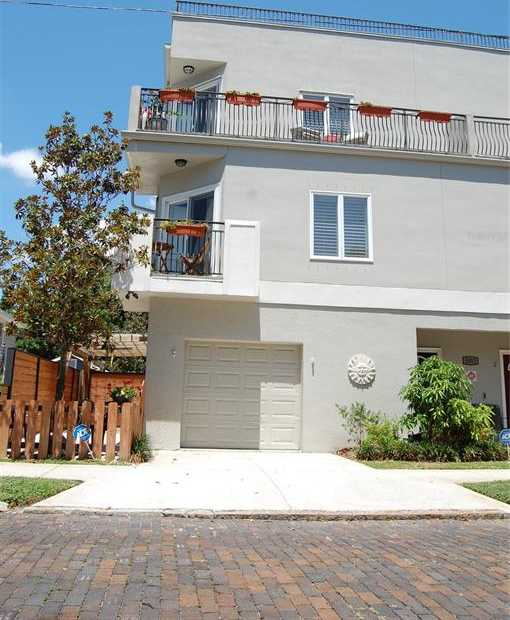 $485,000 - 2Br/3Ba -  for Sale in Crescent View Twnhms, St Petersburg