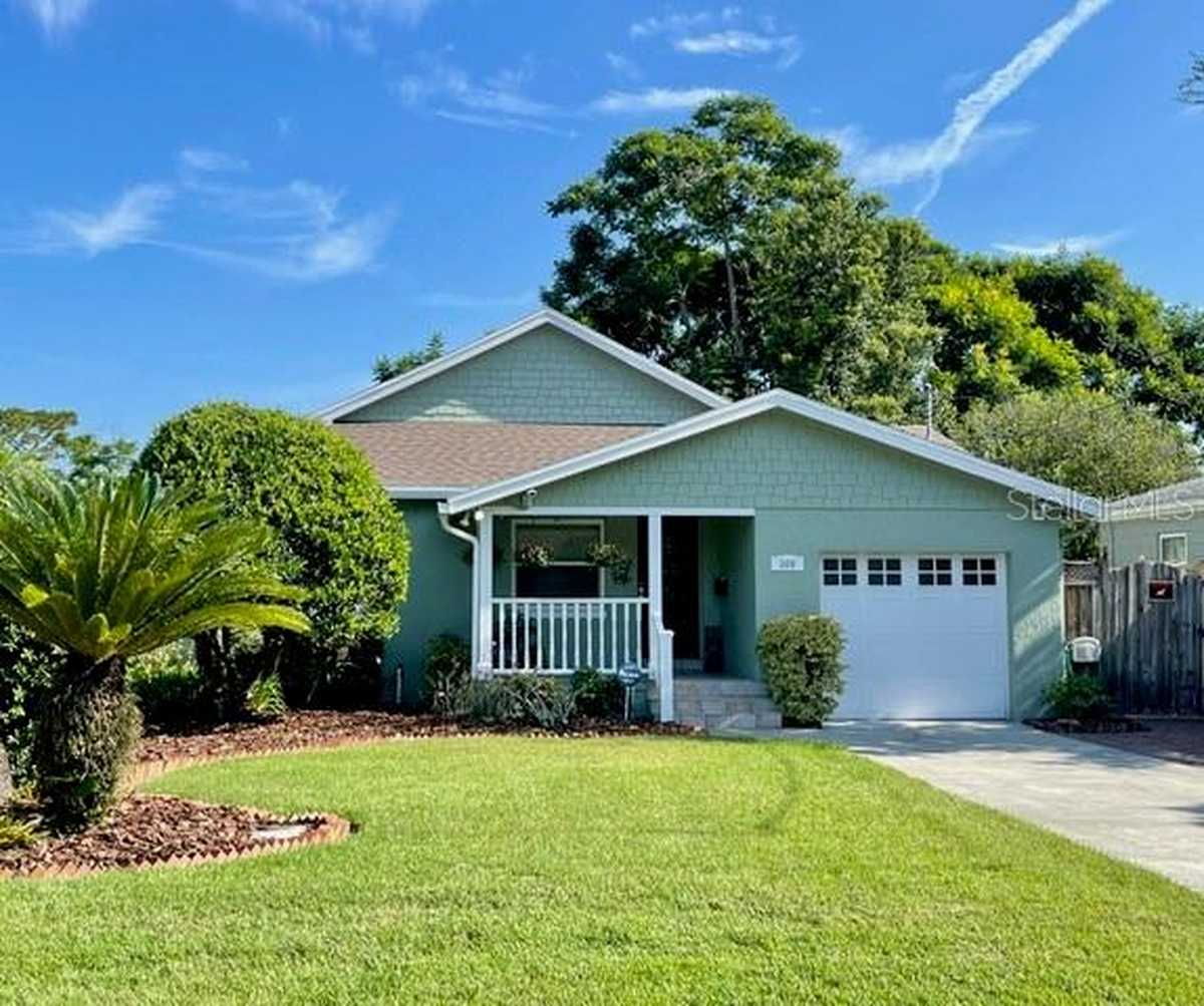 $639,000 - 4Br/3Ba -  for Sale in Golfview, Orlando
