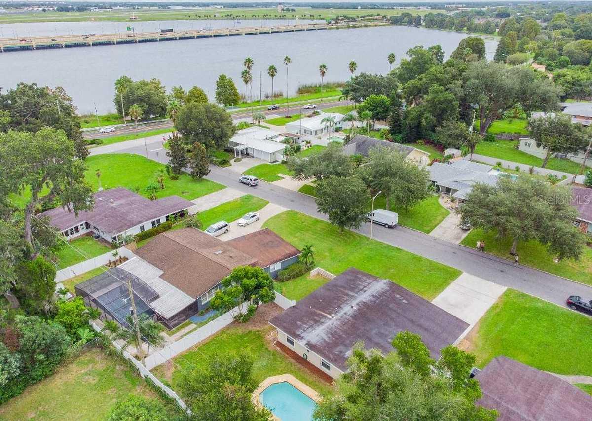 $385,000 - 3Br/2Ba -  for Sale in Heather Hills Sub, Orlando