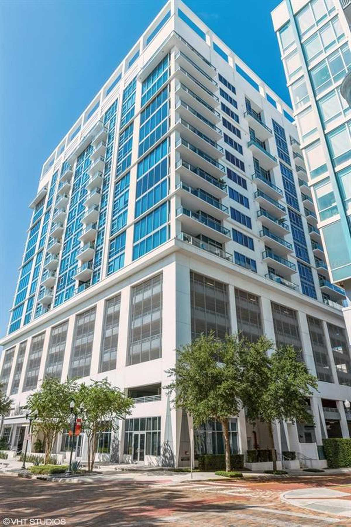 $475,000 - 2Br/2Ba -  for Sale in Star Tower Condo, Orlando