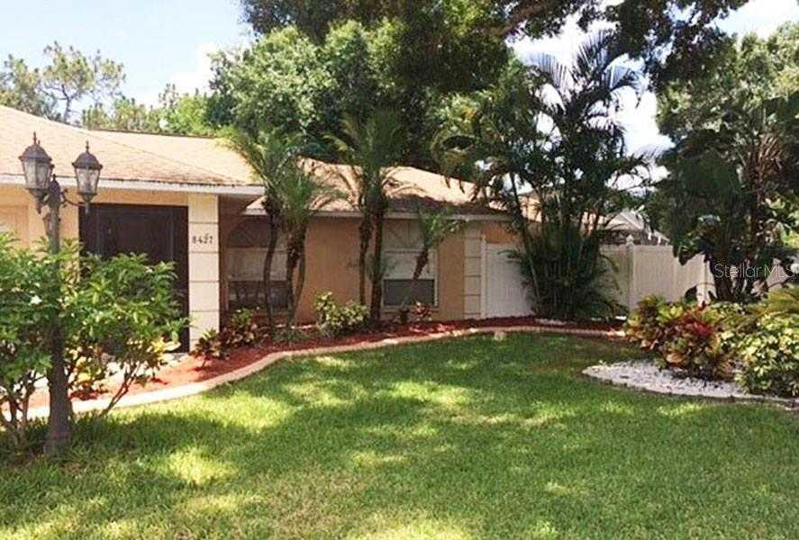 $438,900 - 3Br/2Ba -  for Sale in Sylvan Woods, Sarasota
