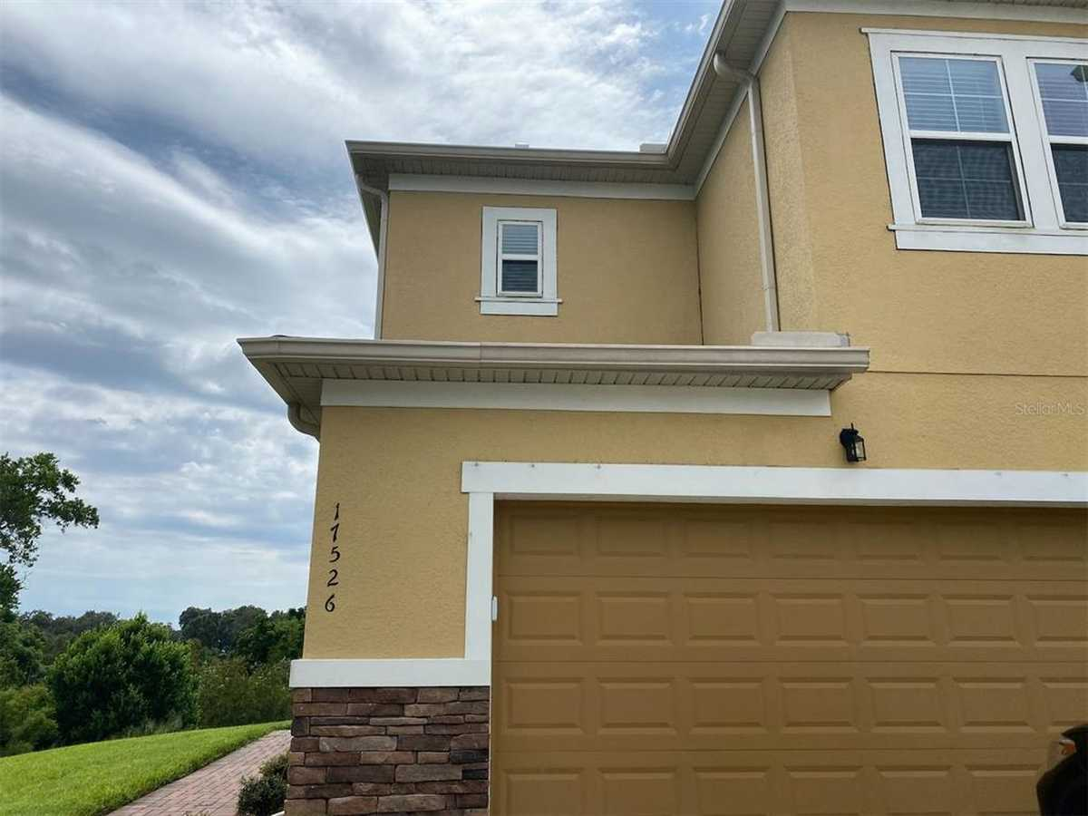 $349,900 - 3Br/3Ba -  for Sale in Magnolia Pointe Ph 1, Clermont