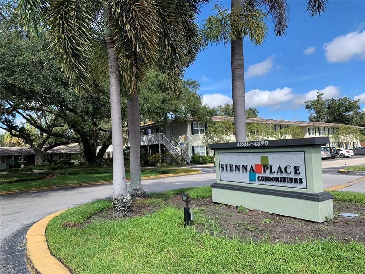 $125,000 - 1Br/1Ba -  for Sale in Sienna Place Condo, Orlando