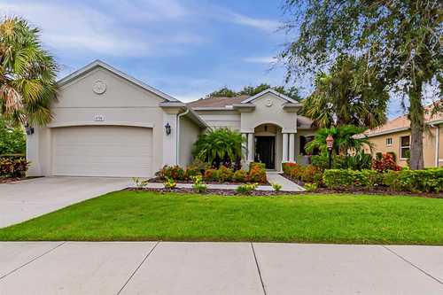 $590,000 - 3Br/3Ba -  for Sale in Greenbrook Village Subphase Ll, Lakewood Ranch