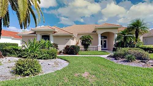 $719,900 - 4Br/3Ba -  for Sale in Turtle Rock, Sarasota