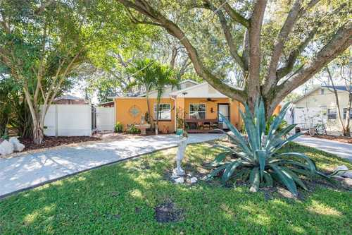 $429,000 - 2Br/2Ba -  for Sale in Gandy Blvd Park, Tampa