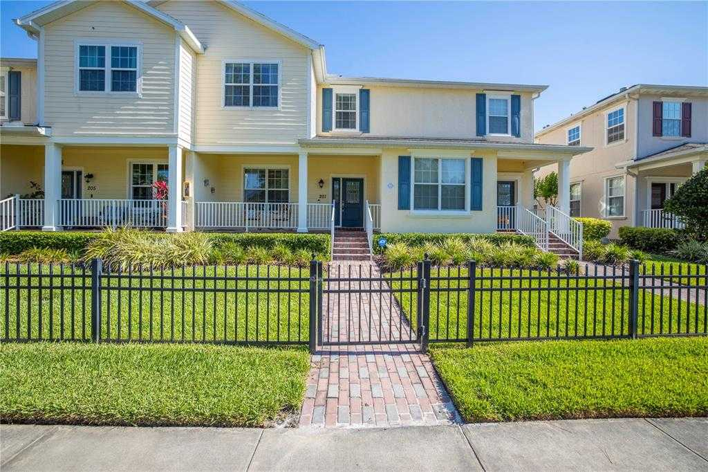 $437,500 - 4Br/4Ba -  for Sale in Sun Ketch Twnhms At Northeast, St Petersburg