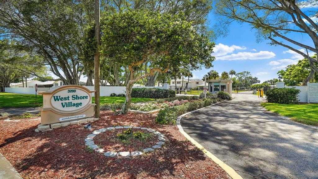 $239,900 - 2Br/3Ba -  for Sale in West Shore Village Two, St Petersburg