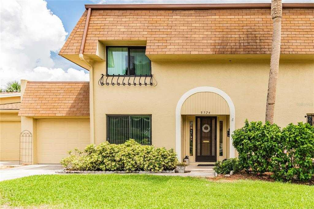 $249,900 - 3Br/3Ba -  for Sale in Cinnamon Lake, St Petersburg