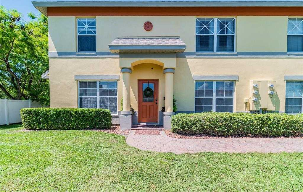 $239,900 - 3Br/3Ba -  for Sale in Coquina Key Twnhms, St Petersburg