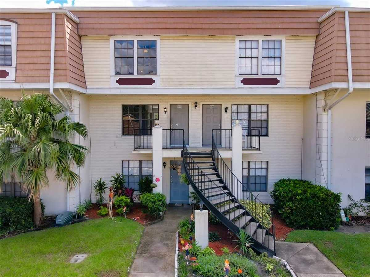 $179,500 - 2Br/3Ba -  for Sale in Village Square Condo, Orlando